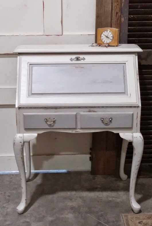 Our take on My Savvy Sister Chalk Paint Dust