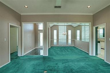 Master Bedroom Green Carpet And If You Can Believe It The