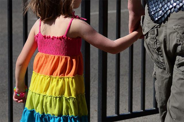 """Muitas crianças e adolescentes estão se identificando como transgêneros porque estão confusos sobre sexualidade ou pensam que isso os tornará """"diferentes"""""""