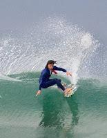 kalani robb traje surf ejecutivo 2