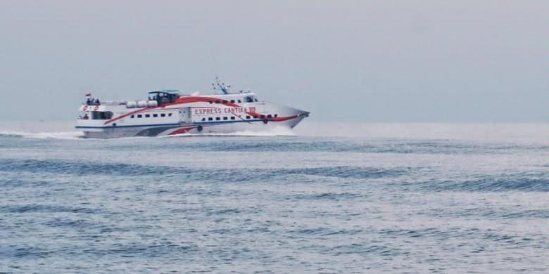 KM Express Cantika 89 tujuan Wisata Kepulauan Karimunjawa