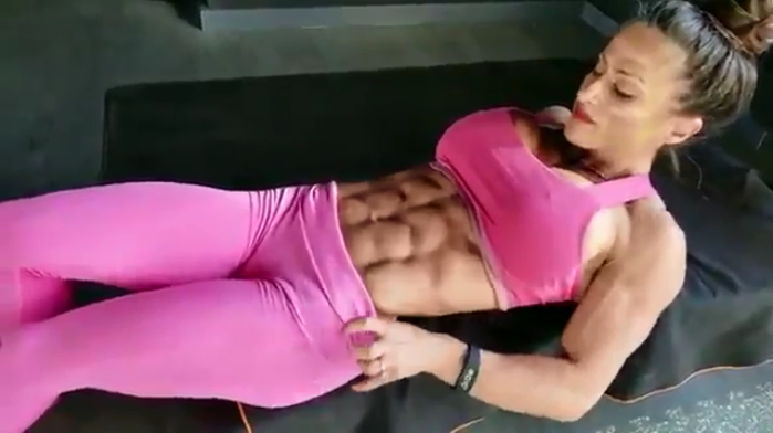 Video most incredible female abs ever !!! Extreme ABS !!