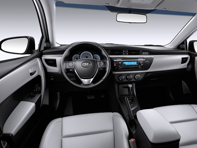 Toyota Corolla 2017 GLi Black Pack - interior