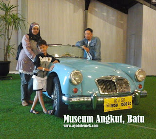 Fery dan keluarga di Museum Angkut, Batu