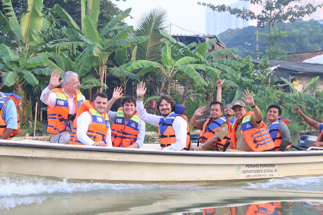 Bersama OEOO dan GreenCycle Wakil Walikota Telusuri Kali Bekasi