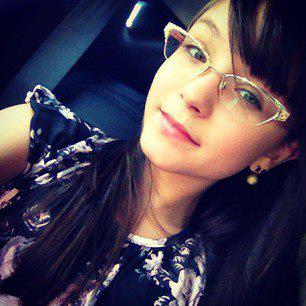 e4dd966831aea Larissa Manoela de Óculos! Bjjs Lari! Amo seus ÓCULOS!