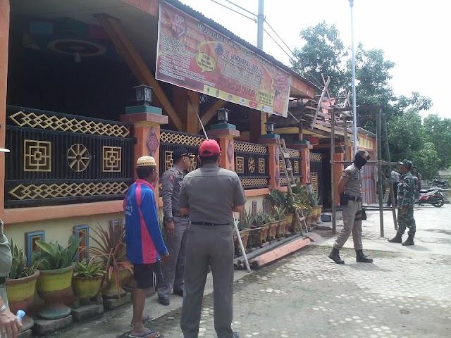 Bangunan Labrak Perda,  Tim Gabungan Satpol PP Turun Menertibkan