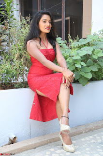 Mamatha sizzles in red Gown at Katrina Karina Madhyalo Kamal Haasan movie Launch event 066.JPG