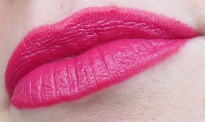 saveonbeauty_tigi_decadent_lipstick_finesse_swatch