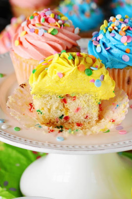 Funfetti Happy Birthday Cupcakes