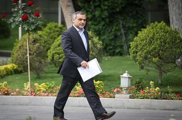 Hossein Fereydoon, irmão do presidente iraniano Hassan Rouhani, foi preso por acusações de crimes financeiros, reporta a agência AFP citando fontes judiciais