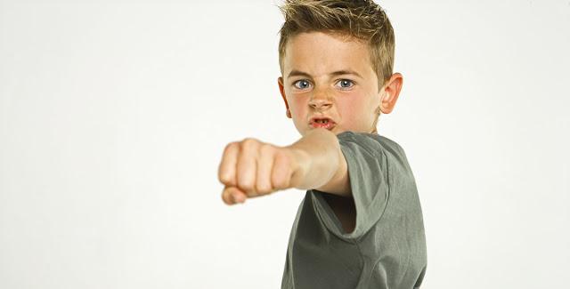 هل طفلك عنيف؟ اتبعي هذه النصائح!