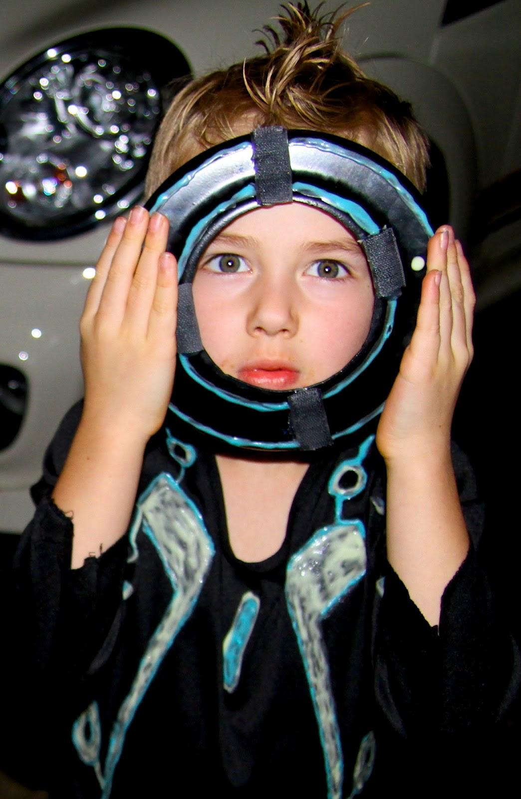 Homemade Tron costume  sc 1 st  Life Sprinkled With Glitter & Life Sprinkled With Glitter: Homemade Tron costume