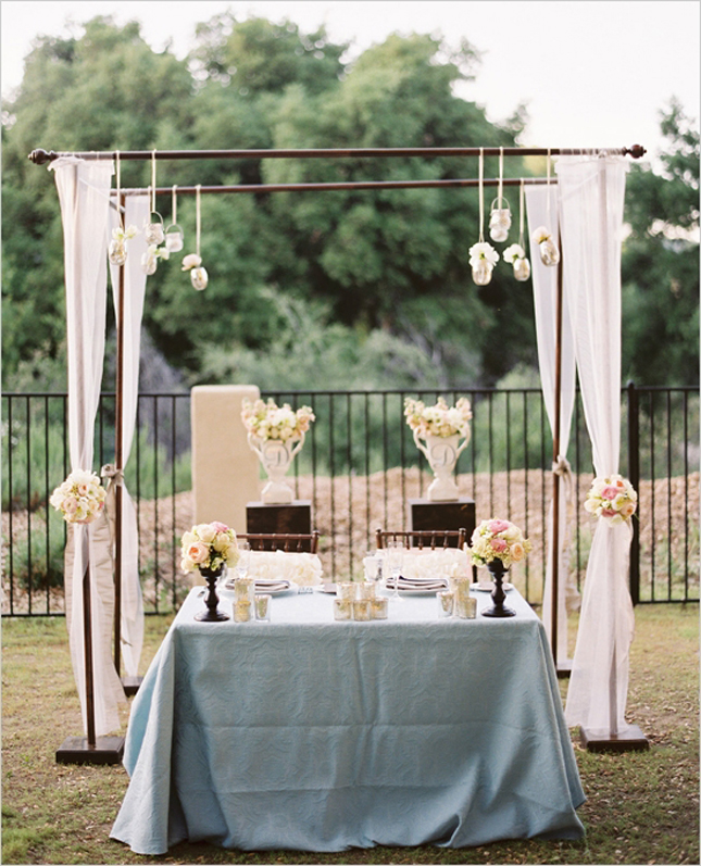 28 Ideas For Sitting Pretty At Your Head Table: Sweetheart Table Inspirations