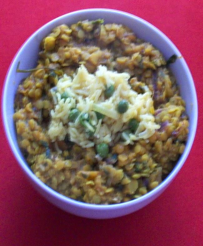 veganes linsen-curry mit erbsen-reis - hauptspeise
