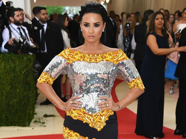 """Demi Lovato: """"Prefiero molestar a la gente con mi honestidad y opiniones que quedarme callada y ser una falsa"""""""