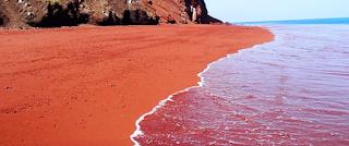 Το μυστικό της κόκκινης παραλίας στην Κεφαλλονιά που ομορφαίνει τις γυναίκες χωρίς το παραμικρό κόστος