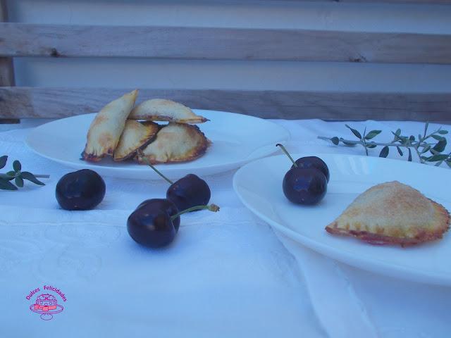 Empanadillas dulces de cerezas
