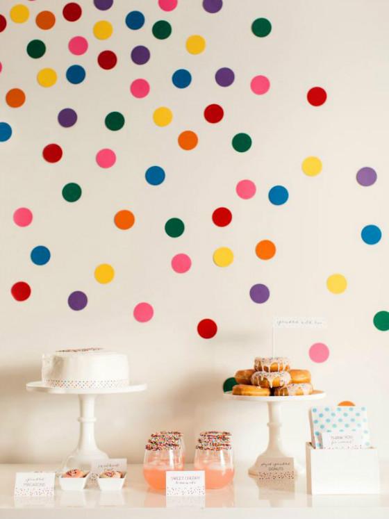 efimerata_burgos_aniversario_confeti_fiesta_color_mesa_lunares_papel_dulces