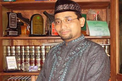 Biografi Habiburrahman El Shirazy, Novelis Motivator Indonesia