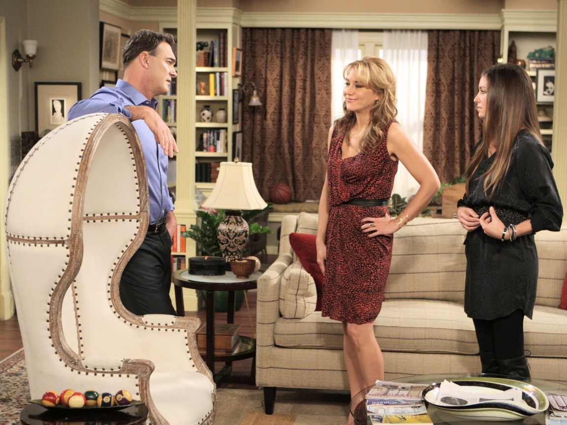 Rules of Engagement - Season 6 Episode 07: The Chair