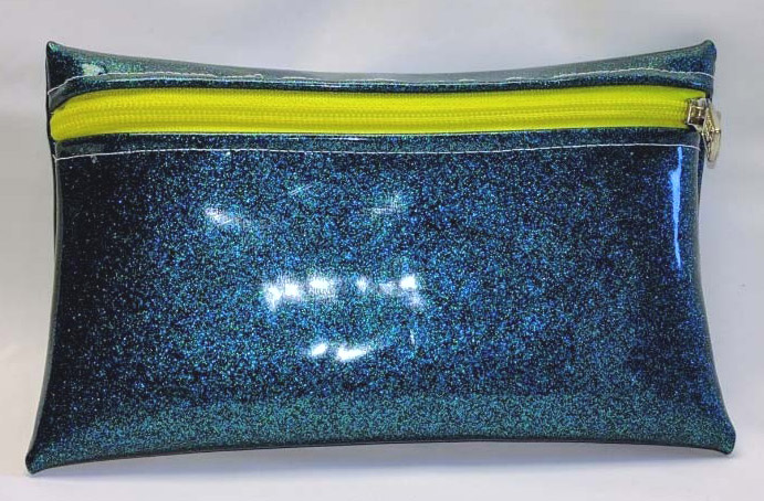 Zipper Pouch from vintage glitter vinyl. DIY Tutorial.