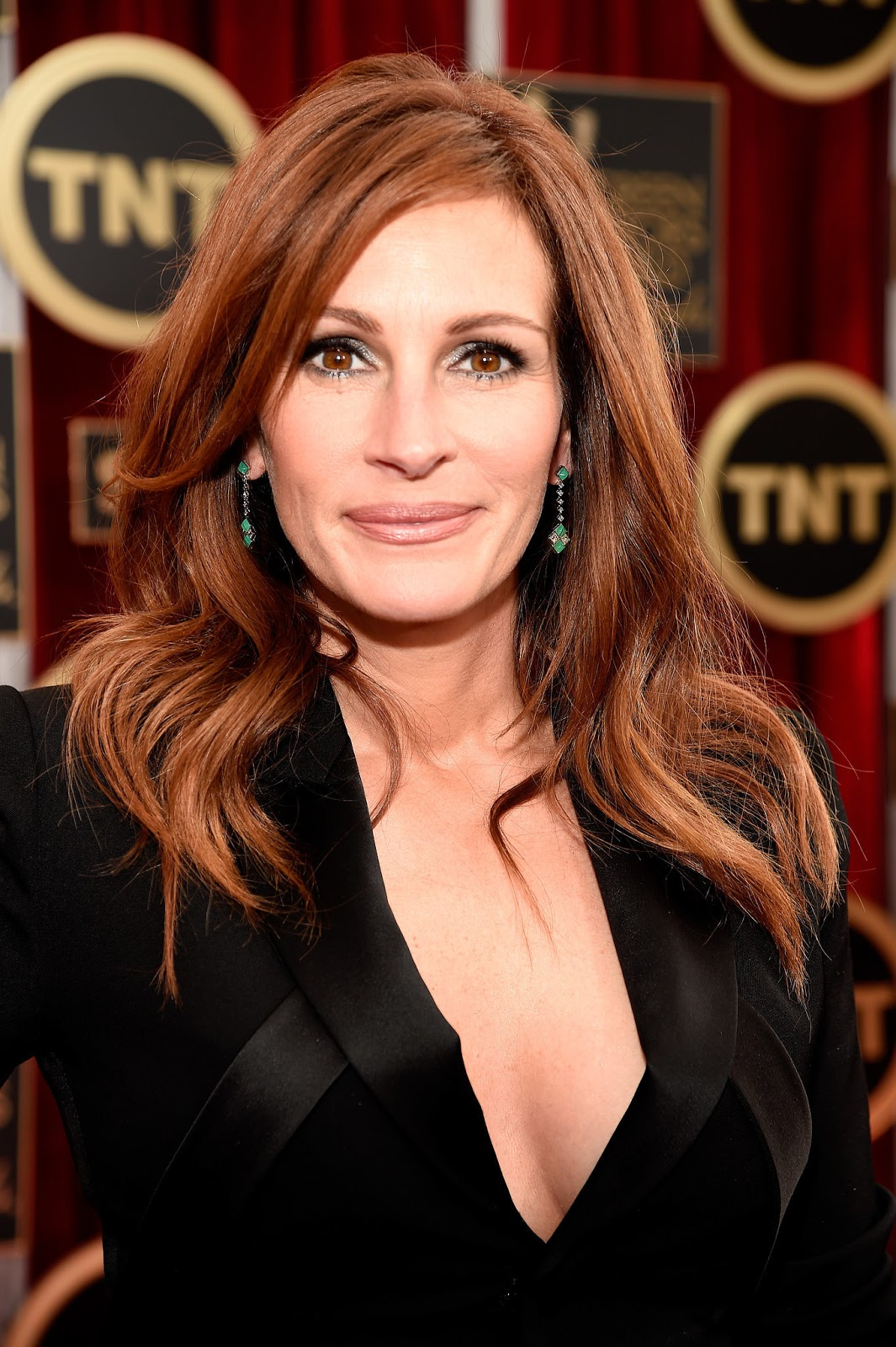 Julia Roberts Biography, Profile, Photos, Birthday, Height ...