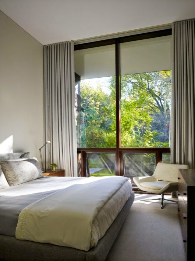 Setting up small bedroom with a large window  Bedroom Design