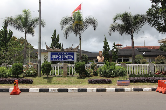 Wisata Sejarah Istana Bung Hatta di Bukit Tinggi