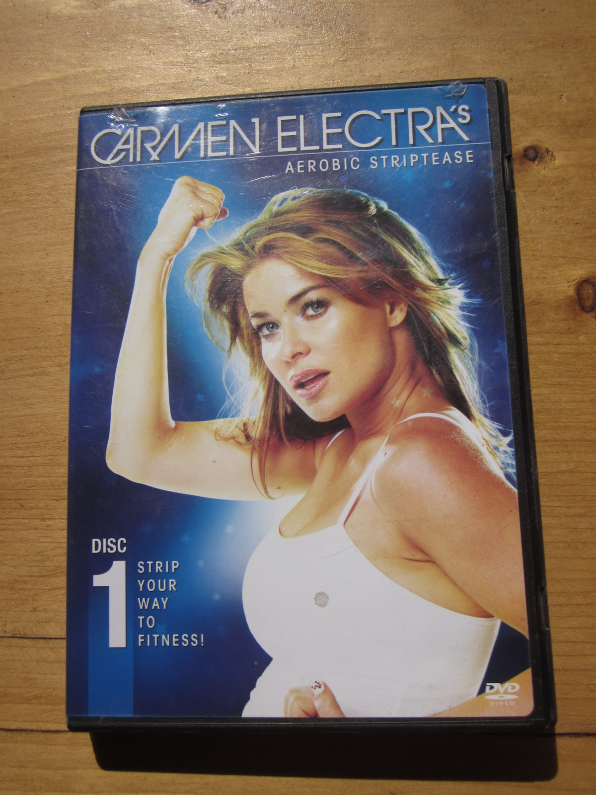 Stripping carmen electra