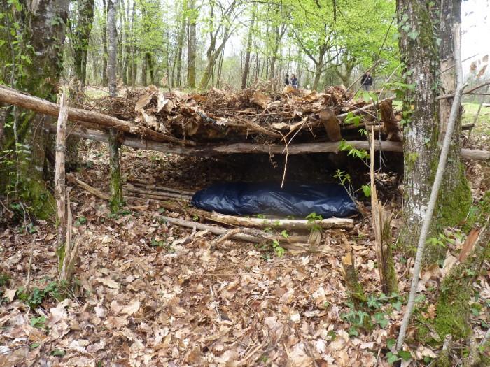 survivre dans la nature priorit s et technique de survie. Black Bedroom Furniture Sets. Home Design Ideas