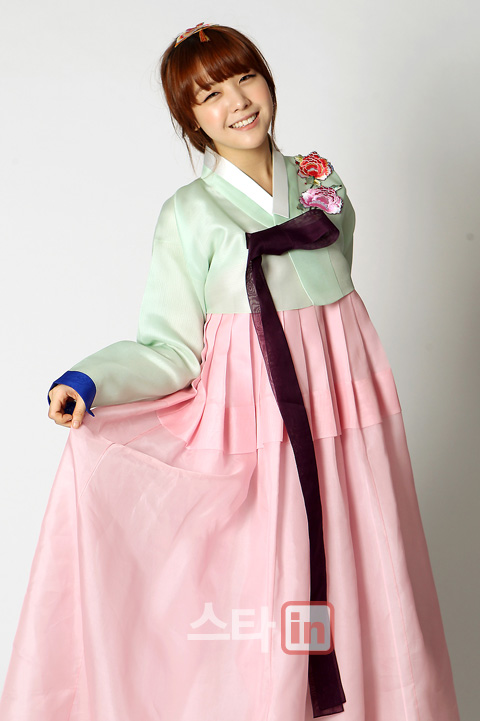 Kpop World In Me Hanbok And Traditional Games