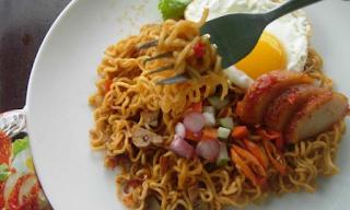 Pingin Makan Mie Instan yang Sehat dan Ngenyangin? Pakai Cara Ini