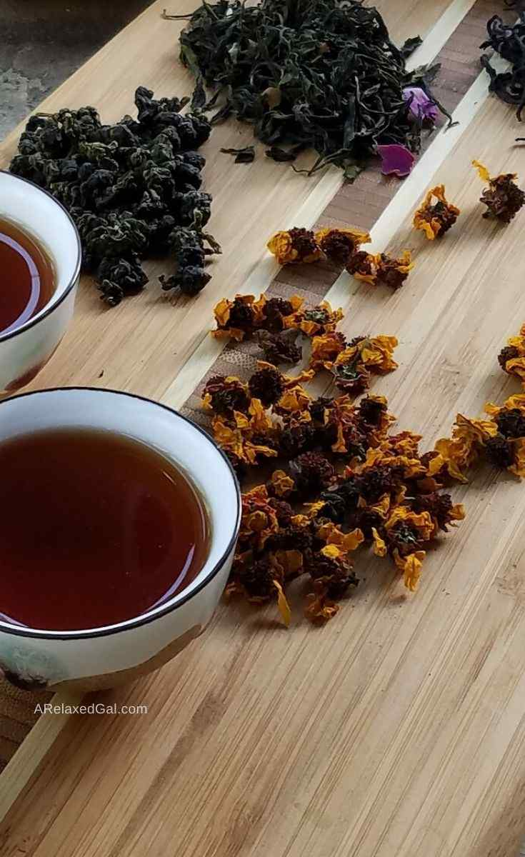 The benefits of rinsing hair with black tea | A Relaxed Gal