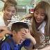 Meninas do TWICE se apaixonaram pelos gêmeos de Lee Hwi Jae
