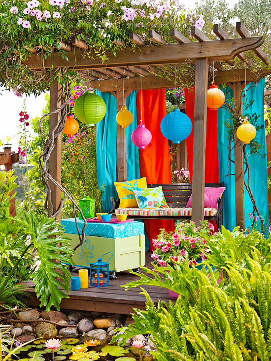 Colorful Outdoor Decorating For Summer 2013 | Sweet Home Dsgn on Backyard Garden Decor id=70793