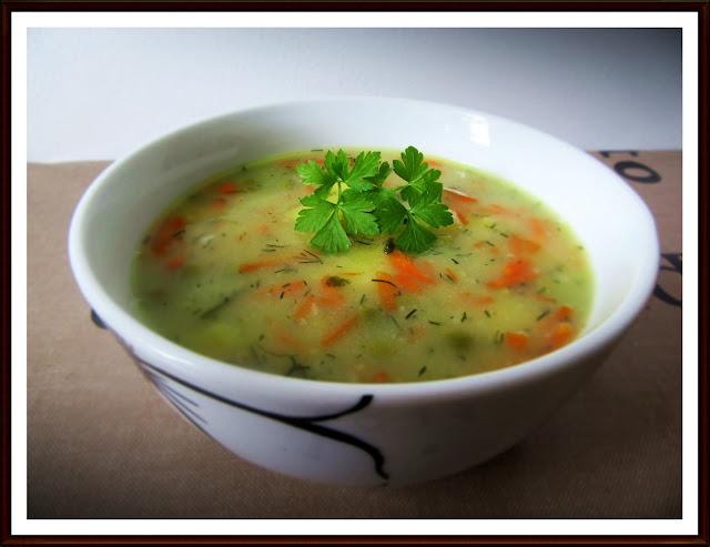 Zupa z Groszkiem Zielonym i Ziemniakami