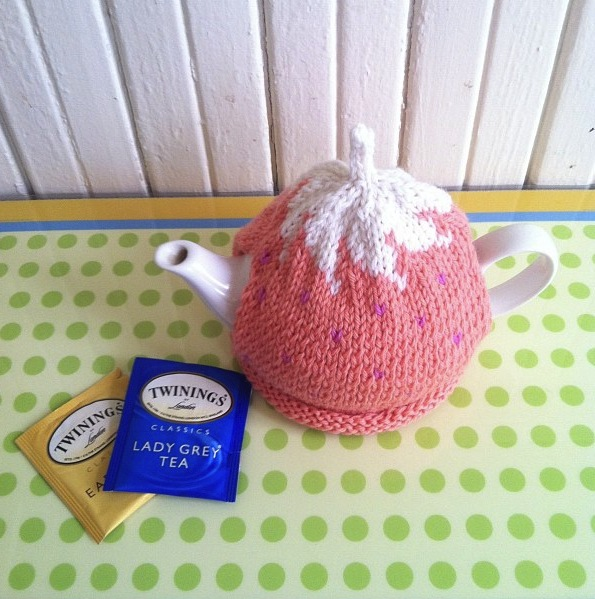 Anna Knits Etc Spiral Top Tea Cozy Pattern