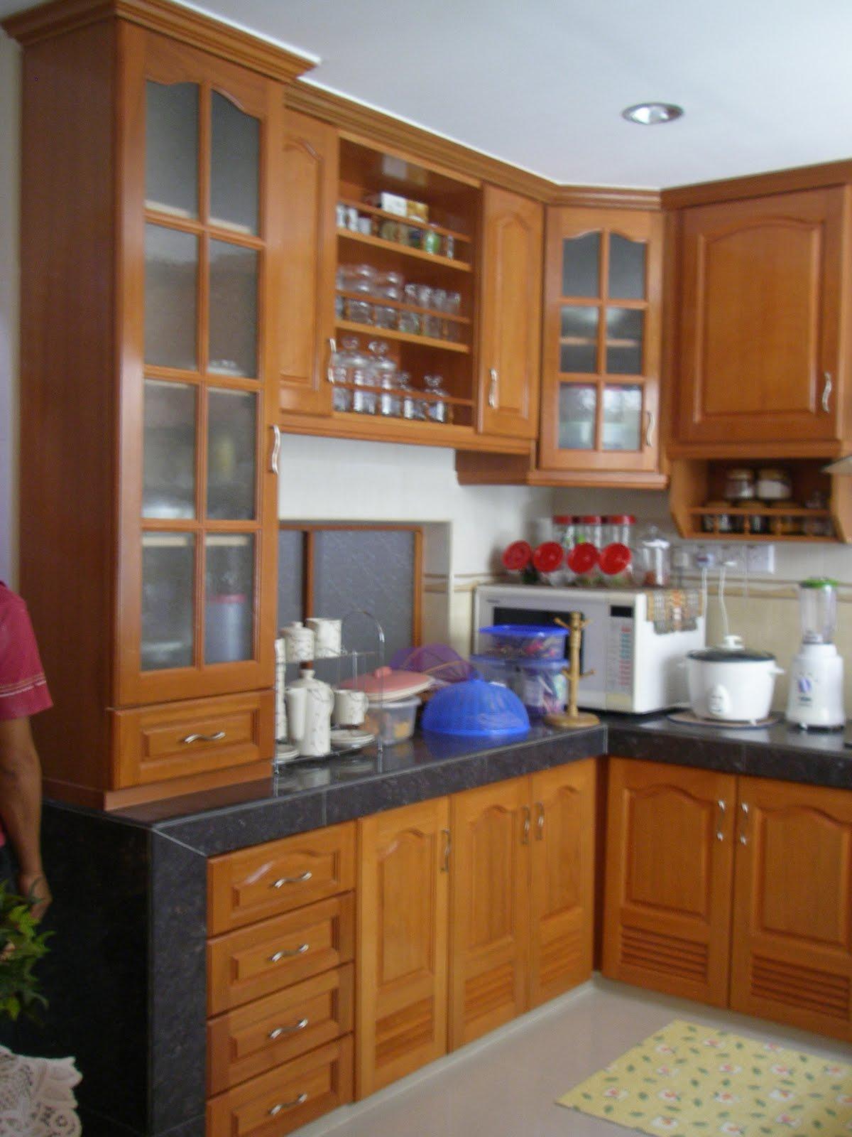Siellza Furniture Kabinet Kayu Nyatoh