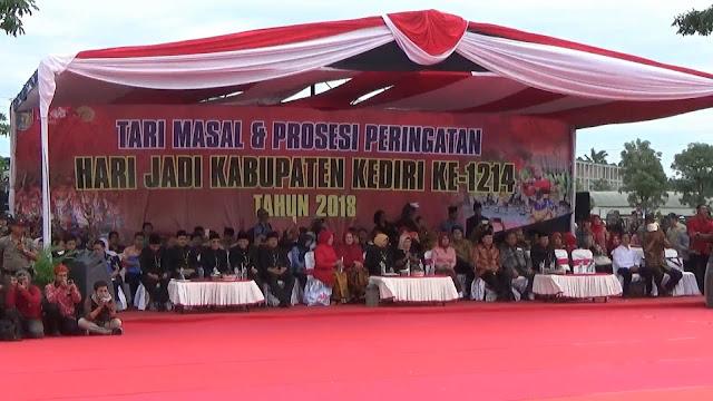 Ribuan Siswa SD Gelar Tari Penthul Marucul