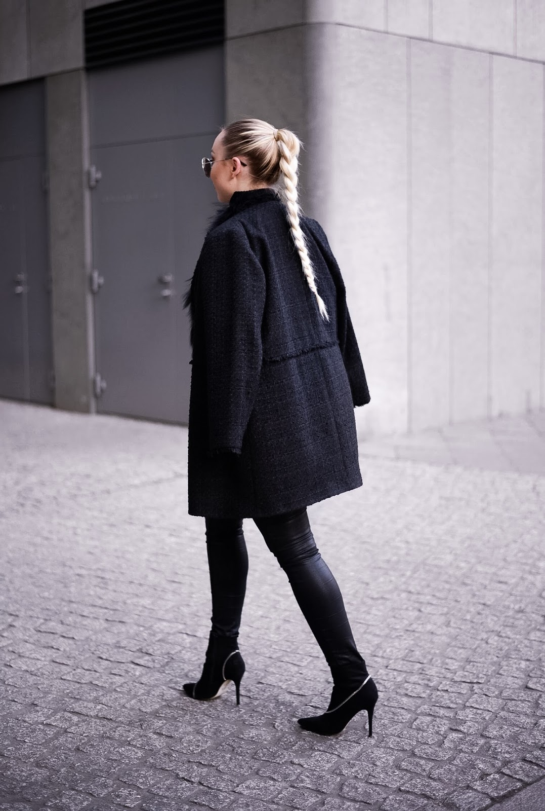 fashion photography tips_blogging tips_all black outfits