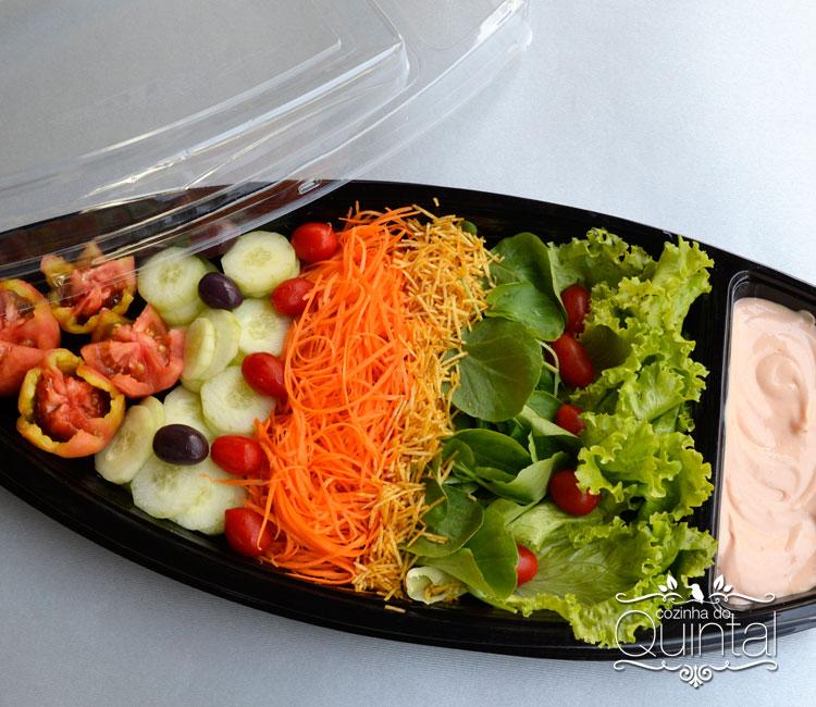 Salada na Barca, embalagem da Linha Oriental da Galvanotek. Na Cozinha do Quintal =)