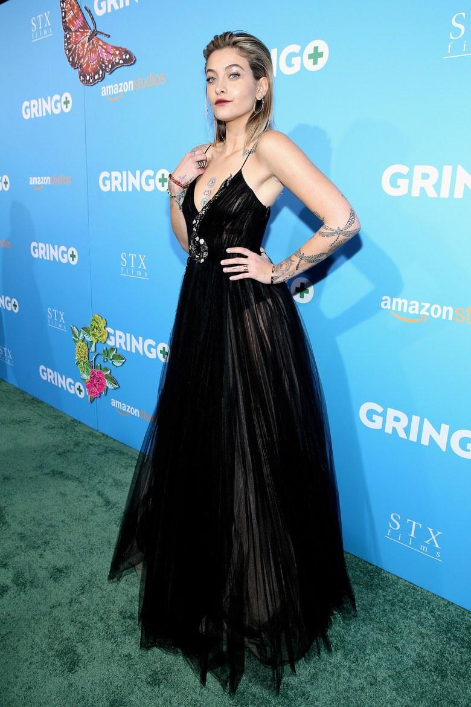 باريس جاكسون بدعم من شقيقها برينس في العرض الأول لفيلمها الأول غرينغو