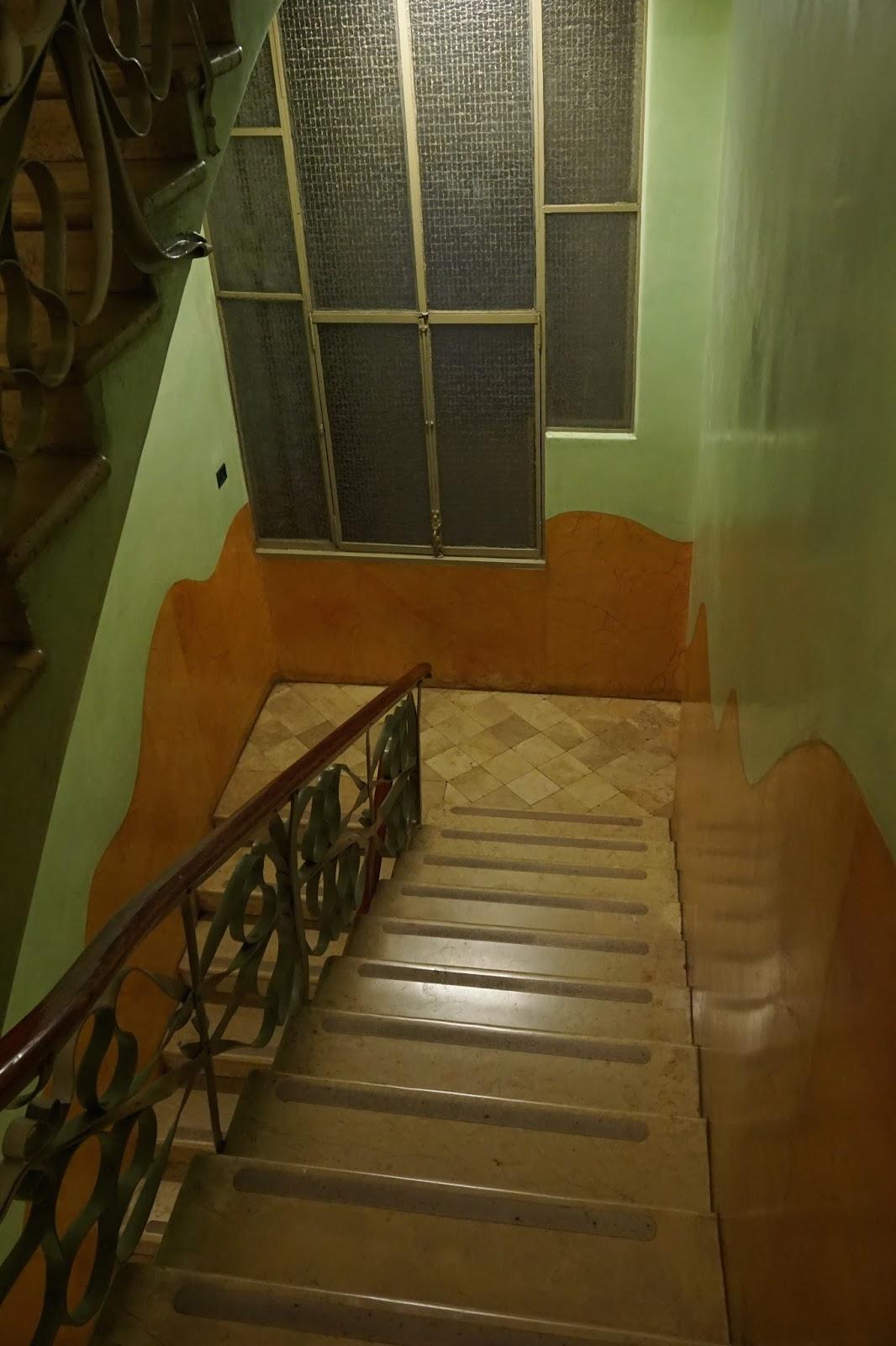 カサ・ミラ(Casa Milà) 階段