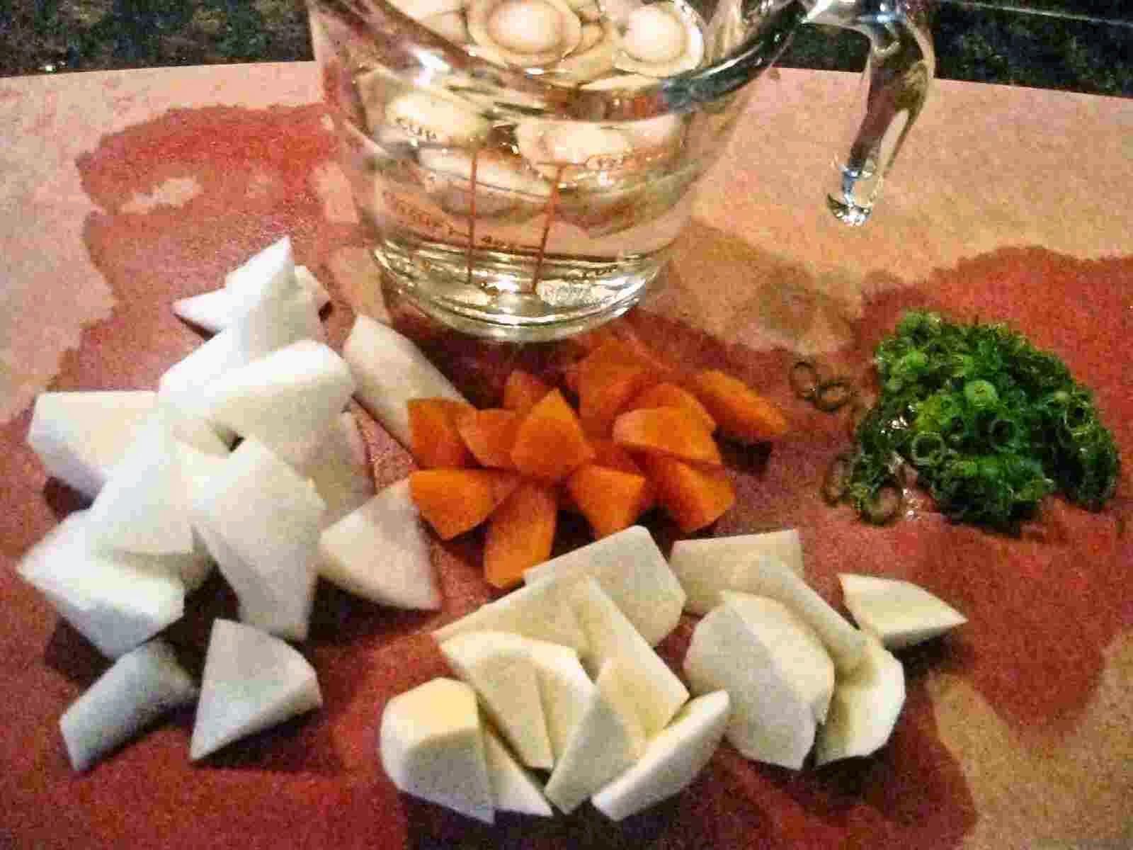 Recipes for Tom Konsai no sakekasu misoshiru miso soup