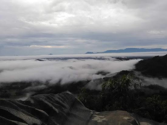 Pemandangan diatas bukit jamur - Catatan Nizwar ID