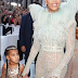 Beyonce wakiwa kwenye  red carpet of the 2016 VMAs .PICHA $ VIDEO
