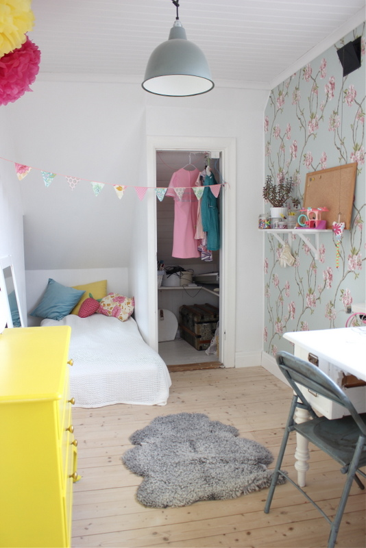 fru fix och trix fabriken sovrum. Black Bedroom Furniture Sets. Home Design Ideas