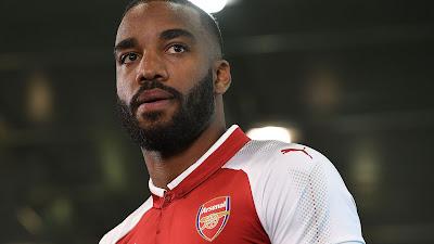 Alexandre Lacazette Sah Milik Kelab Arsenal