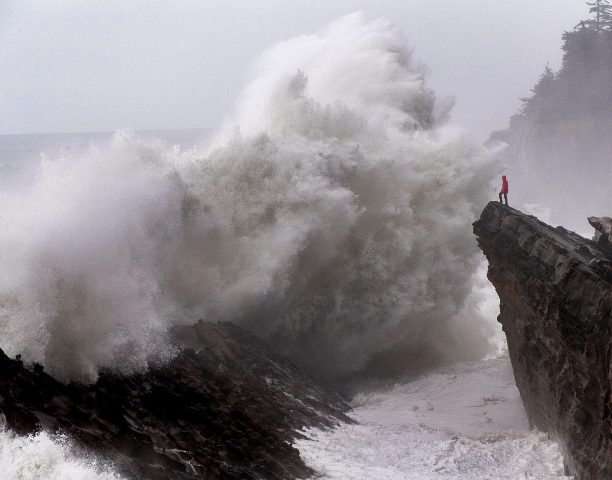 Robin Loznak Photography: High Surf Warning in Oregon